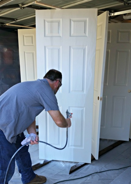 Painting doors with an airless sprayer