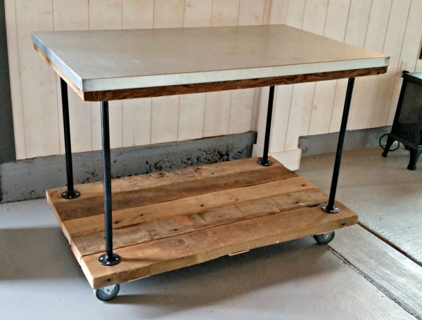 Kitchen cart with pipe