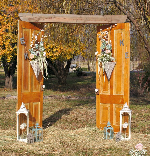 Repurposed Doors: Vintage Wedding Arch